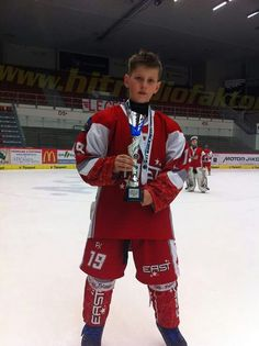Můj prvorozený PŘED dvěma roky, čas letí... :-) #hokej#horackaslavia#slavia#trebic