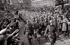 German troops in the capital of Czechoslovakia, Prague in. Germany Ww2, The Third Reich, Military Photos, German Army, World War Two, Historical Photos, Troops, Soldiers, Wwii