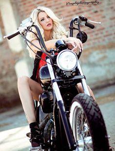Hot Motorcycles and Hot Cars Female Motorcycle Riders, Motorbike Girl, Motorcycle Girls, Lady Biker, Biker Girl, Vespa Bike, Chicks On Bikes, Pin Up, Hot Bikes