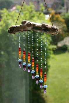 Tinker sun catcher - made of driftwood and glass rainbow beads - DIY garden . - Tinker sun catcher – made of driftwood and glass rainbow beads – DIY garden idea *** DIY Driftw - Nature Crafts, Fun Crafts, Diy And Crafts, Arts And Crafts, Decor Crafts, Yard Art, Carillons Diy, Easy Diy, Craft Projects