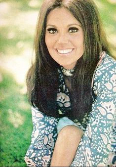 That Girl Tv Show, Marlo Thomas, Old Hollywood Actresses, Daddys Little Girls, Vintage Hollywood, Girls In Love, Me As A Girlfriend, Her Hair, Movie Stars