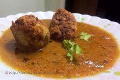 Lauki Ke kofte (Bottle gourd dumplings in spicy onion and tomato based gravy) http://secretindianrecipe.com/recipe/lauki-ke-kofte-bottle-gourd-dumplings-spicy-onion-and-tomato-based-gravy
