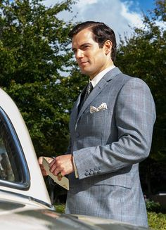 Henry Cavill the Napoleon Solo in The Man From UNCLE