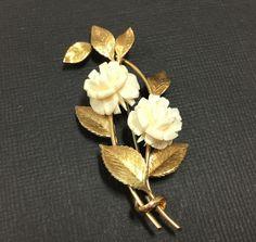 Vintage signed KREMENTZ Cream Lucite Carved Flower Brooch Pin Gold Plate M835i #Krementz