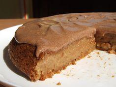 Tort de post cu mere si caramel | Retete culinare cu Laura Sava - Cele mai bune retete pentru intreaga familie Caramel, Pastry Cake, Fudge, Cake Recipes, Biscuits, Bacon, Deserts, Good Food, Food And Drink