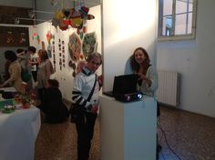 Projection of the videos Bologna, Art Therapy, Handicraft, Presentation, Videos, Projects, Craft, Log Projects, Arts And Crafts