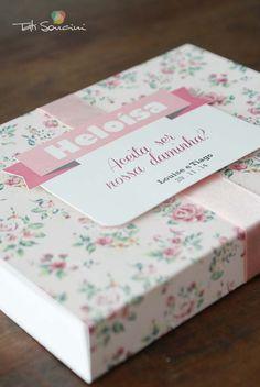 Caixa convite para daminha personalizada  #design #papelariapersonalizada…