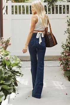 Lauren Bushnell Shows Us Her Flare For Fashion