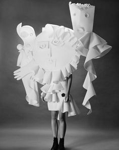 Viktor&Rolf | NGV Philip Riches Viktor&Rolf, Performance of Sculptures haute couture collection, spring–summer 2016 © Philip Riches