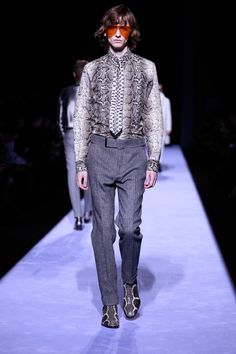 https://www.vogue.com/fashion-shows/fall-2018-menswear/tom-ford/slideshow/collection#11