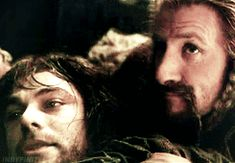 GIF  Fili & Kili in Desolation Of Smaug. Wow, this is not okay.... THE SADDEST PART OF THE MOVIE!!! The grip Fili has it's like. You can't take him away if you wanted to.