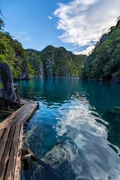 "photos-worth: "" Kayangan Lake, by "" The crystal clear waters of Kayangan Lake, on Coron Island, Philippines. Philippines Palawan, Les Philippines, Philippines Vacation, Beaches In The World, Places Around The World, Places To Travel, Places To See, Coron Island, Philippine Holidays"