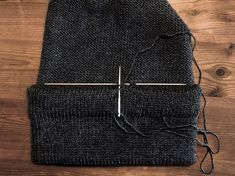 Strikkeskolens hue - FiftyFabulous Crochet Stitch, Knitted Hats, Needlework, Silk, Knitting, Fashion, Caps Hats, Tricot, Creative