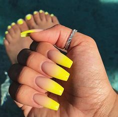23 Great Yellow Nail Art Designs 2019 - Sunny Yellow Nails - Best Nail World Summer Acrylic Nails, Best Acrylic Nails, Matte Nails, Nail Summer, Gradient Nails, Acrylic Nails Yellow, Ombre Nail, Colorful Nail Designs, Fall Nail Designs