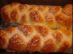 rosca caseira - Veja mais em: http://www.cybercook.com.br/receita-de-rosca-caseira.html?codigo=106421