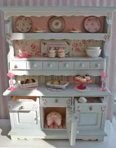 Miniature hutch dresser!!!! From Cynthia's Cottage Design. This blogger has blogged about it beautifully. Just amazing.