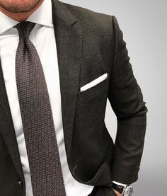 Textured tie and blazer combo. Super cool.