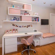 Escrivaninha branca: 60 modelos para decorar seu escritório com classe Room Design Bedroom, Girl Bedroom Designs, Room Ideas Bedroom, Small Room Bedroom, Home Room Design, Home Office Design, Home Office Decor, Diy Bedroom Decor, Home Decor