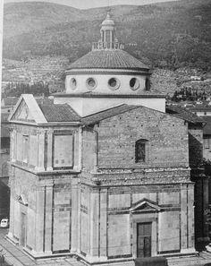 Giuliano da Sangallo - Santa María delle Carceri en Prato (1486 - 1495)