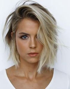 62 of the Popular Short Hairstyles & Haircuts for Thin Fine Hair - These haircuts are THE must if yo Popular Short Hairstyles, Bob Hairstyles For Fine Hair, Hairstyles For Round Faces, Hairstyles Haircuts, Fine Hair Bobs, Hairstyle Short, Short Hair Styles For Round Faces, Short Thin Hair, Medium Hair Cuts