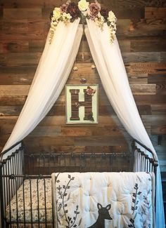 Check out this awesome entryway decor! Add peel and stick Reclaimed Weathered Gray Stikwood, love this reclaimed wood entryway