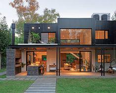 Modern Exterior, Exterior Design, Exterior Paint, Parrilla Exterior, Jungle House, Casas Containers, House Viewing, Loft House, Dream House Exterior