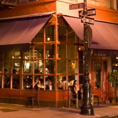 (Le) Poisson Rouge | Neighborhood Guide | GrandLife Hotels | Culture, Guide and Events New York City