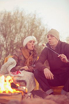 Snowball fights, hot cocoa session and campfires are all fair game for a winter engagement shoot. Camping Games, Camping Activities, Engagement Pictures, Engagement Shoots, Engagement Ideas, Winter Engagement, Country Engagement, Winter Photos, Winter Wonderland