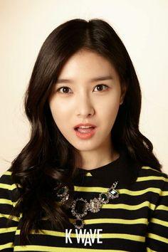Kim So Eun / K-Wave Magazine Korea / December 2013