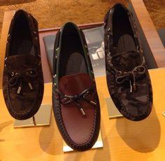 LV Boat Shoes, Men's Shoes, Driving Shoes, Gentleman, Men's Fashion, Loafers, Textiles, Footwear, Model