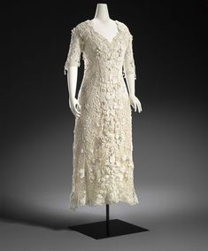 England: Dress 1912, cotton (Irish crochet) || #white #crochet #dress #gown #Edwardian #Irish #bridal #wedding