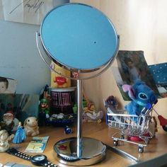 Makeup mirror #finally #makeup #mirror #loveit #imgonnadomymakeupbetter #igers #igerspalermo | Flickr – Condivisione di foto!