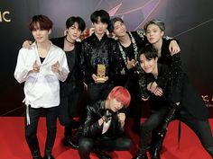 Image discovered by Cathy Phan. Find images and videos about kpop, bts and jungkook on We Heart It - the app to get lost in what you love. Bts Jungkook, Yoongi, Bts 2018, Seokjin, K Pop, Shinee, Got7, Monsta X, Bts Ships