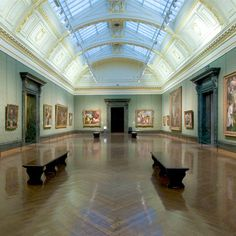 Inside the National Gallery, London. One of my most favorite indoor places on Earth. ~L