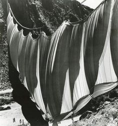 shunk-kender. christo. valley curtain, 1971-1972.