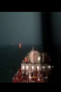 #lifeatsea #marineinsight #sea #ship #seafarer #maritime #seaman #sailor #sailing Video by @alesiathesailor