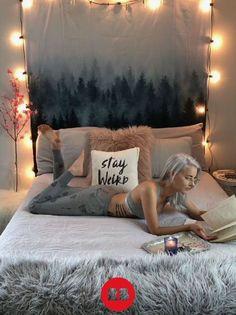 Gemütlicher Boho-Chic mit Lichterkette und einem Wandbehang von Redbubble   Wohnen   Deko   Einrichten   Boho   cozy   relax   Interior
