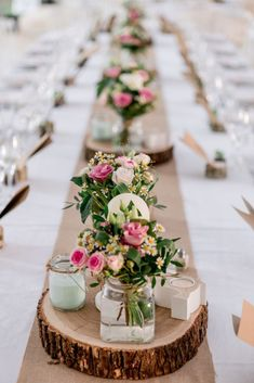 Cheap table decorations - 70 ideas that you can easily copy - dining room . - Cheap table decorations – 70 ideas that you can easily copy – Dining room – Dining table with - Cheap Table Decorations, Wedding Decorations, Long Table Centerpieces, Centerpiece Wedding, Party Table Decorations, Wedding Placecard Ideas, Cheap Centerpiece Ideas, Xmas Wedding Ideas, Wood Slab Centerpiece