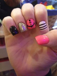 Obsessed with these nails!!