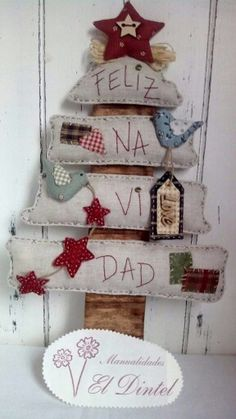 How to make original and creative Christmas trees to decorate your entire home . Christmas Makes, Noel Christmas, Primitive Christmas, Rustic Christmas, Handmade Christmas, Christmas Projects, Diy And Crafts, Christmas Crafts, Christmas Decorations