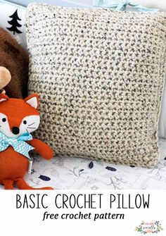 Basic Crochet Pillow Crochet a basic pillow, perfect beginner project! All simple stitches. Quick Crochet, Crochet Basics, Crochet For Beginners, Crochet Home, Crochet Gifts, Free Crochet, Single Crochet, Free Knitting, Crochet Pillow Patterns Free
