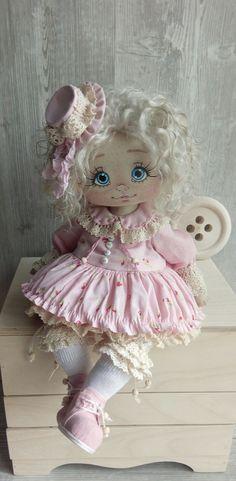 Фотография Fabric Dolls, Paper Dolls, Diy Art Dolls, Raggy Dolls, Realistic Dolls, Sewing Dolls, Child Doll, Yarn Projects, Soft Dolls