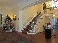 Foyer of Glenview Mansion