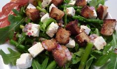 Les Cinq Sens: Salade d'asperges citronnée au feta de brebis