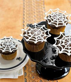 Spiderweb cupcakes, made these last year, super easy!