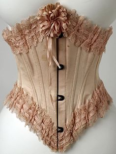 Corset by Stern Brothers, 1900, The Metropolitan Museum of Art, photo by Mlle.