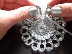 Round Clutch Purse Using Soda Tabs