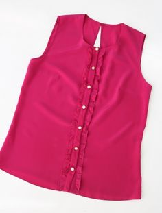 Шелковая блузка с рюшами   шелковая блузка, шелковый топ, стильная одежда минск, одежда минск, красивая блузка, нежная блузка, блузка с рюшами, шелковая блузка с рюшами, блузка на пуговицах, модная блузка, блузка под юбку, яркая блузка, блузка цвета фуксии, пошив на заказ минск, пошив блузки, женская блузка