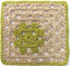 """Ravelry: """"not in the middle"""" - granny pattern by Pia Lindén Crochet Motifs, Crochet Blocks, Crochet Squares, Crochet Granny, Crochet Stitches, Crochet Patterns, Granny Squares, Crochet Symbols, Crochet Afghans"""
