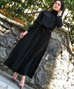 Abaya Fashion, Muslim Fashion, Modest Fashion, Fashion Dresses, Women's Fashion, Hijab Dress, Hijab Outfit, Dress Skirt, Modele Hijab